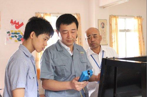 万通代表团的赵骏老师淡定比赛