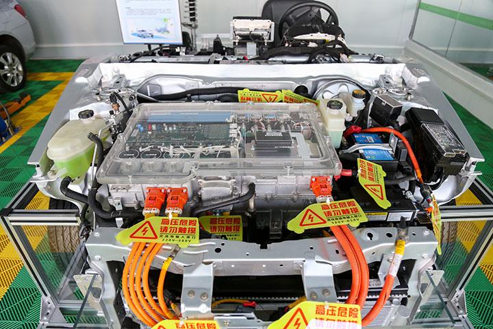 新能源纯电动汽车实训台架