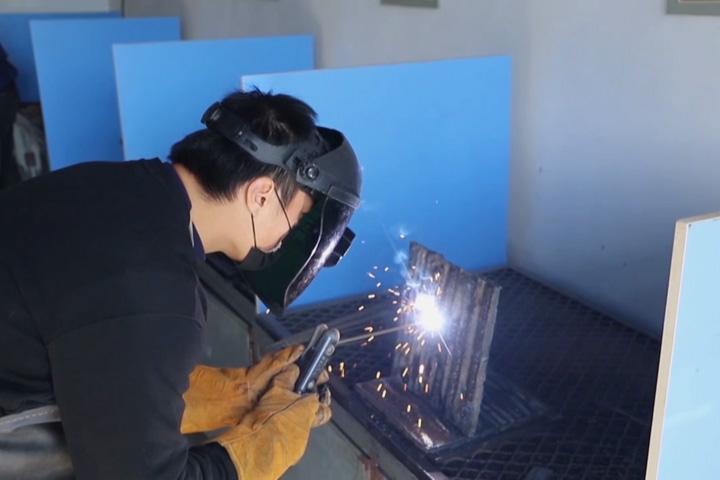 焊工实训-手工电弧焊、氩弧焊